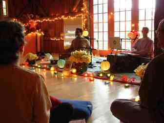 DSC08634kirtan Dharma